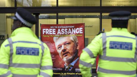 Stéphanie Gibaud sur Julian Assange : «Il a aidé à comprendre que nous, la France, étions en danger»