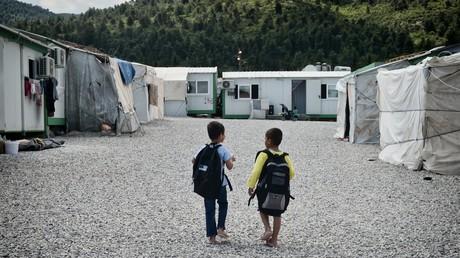 Grèce : affrontements entre villageois et policiers au sujet d'un camp de migrants