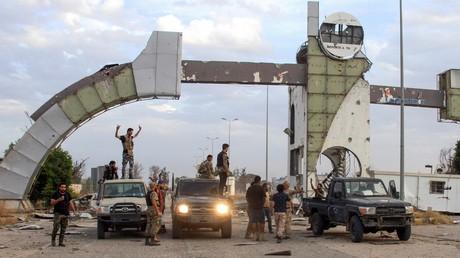 Libye : les forces gouvernementales annoncent la reprise de l'aéroport international de Tripoli