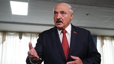 Biélorussie : le président Loukachenko voit derrière les manifestations des influences étrangères