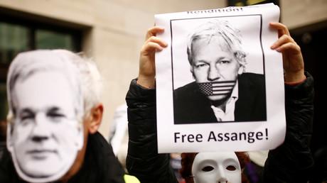 «Risque élevé de suicide» : les psychiatres d'Assange anticipent le pire en cas d'extradition