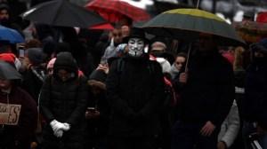 Madrid : des milliers de manifestants contre les mesures sanitaires du gouvernement