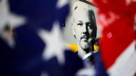 Julian Assange prix Nobel de la Paix ? Jean-Luc Mélenchon rend hommage au fondateur de WikiLeaks