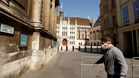 Covid-19 : le gouvernement britannique espère lever les dernières restrictions fin juin