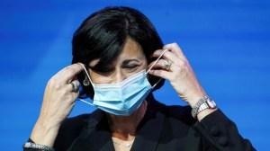 Etats-Unis : les personnes vaccinées autorisées à se rassembler sans masque en petit comité