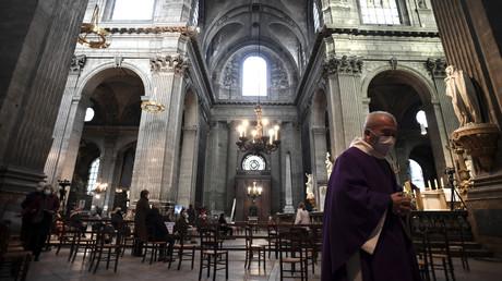 «Protection constitutionnelle» : les lieux de culte pas concernés par le pass sanitaire