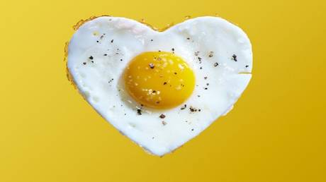 Study reveals the risk of eating more than one egg a day!