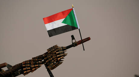 Sudan's transitional military junta announces thwarting a coup attempt in the country