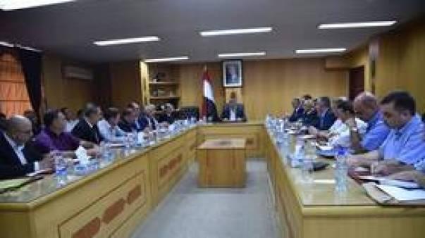 الحكومة السورية تتوعد
