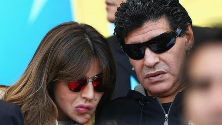 مارادونا يصعد الخلاف ويوجه رسالة حادة لابنته - RT Arabic