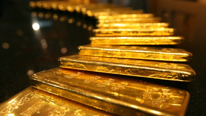 Gold earns from Trump's infection with Corona