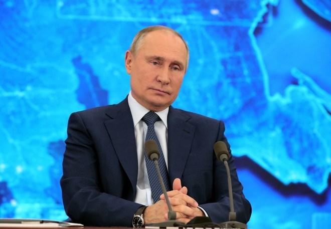 بوتين يرد على سؤال حول مقالة عن صهره السابق #RT_Arabic