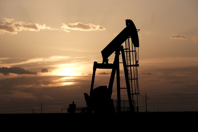 Oil prices rise to $ 55 a barrel for the first time in 10 months