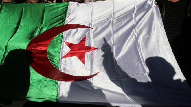 ماكرون يتسلم مقترحات مصالحة الذاكرة بين فرنسا والجزائر #RT_Arabic