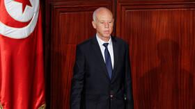 الرئيس التونسي يعلن أن الجيش سيتولى إدارة أزمة كوفيد -19
