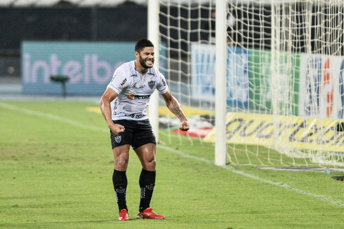 Video .. Hulk misses a penalty and deprives his team of a golden opportunity