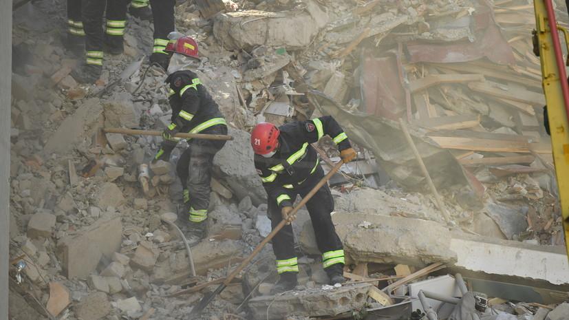 Число жертв обрушения дома в Батуми возросло до четырех