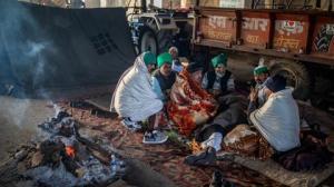 بھارتی کسان مودی کو چیلنج کرنے  بعد احتجاجی کیمپ میں واپس آئے