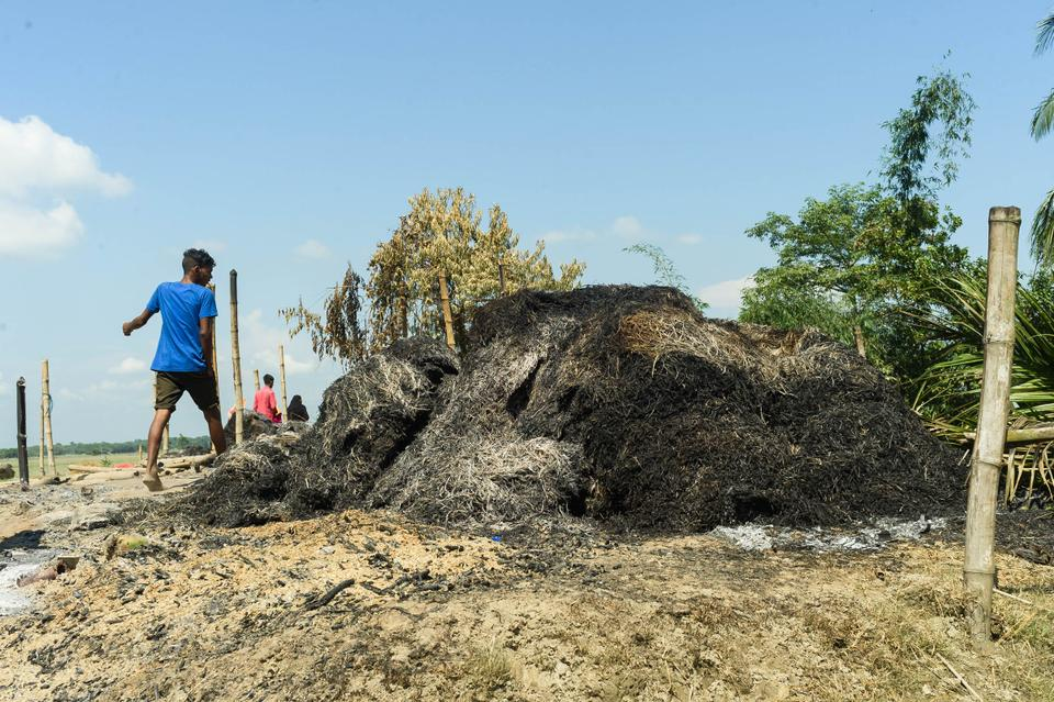 Residents of Dhalpur 3 village alleged that the Assam State Police burnt down their houses during the eviction drive, reducing their belongings to ashes.
