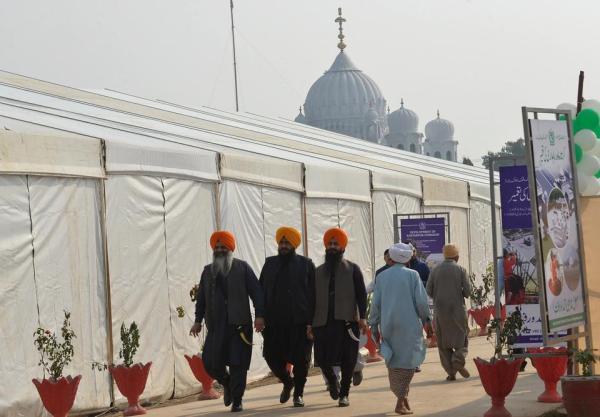 Pakistan ready to repair ties with India as shrine ...