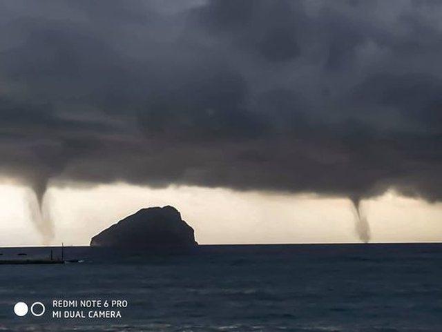 """Foto/ Tornado në Greqi, banorët e ishullit """"ngrijnë"""""""