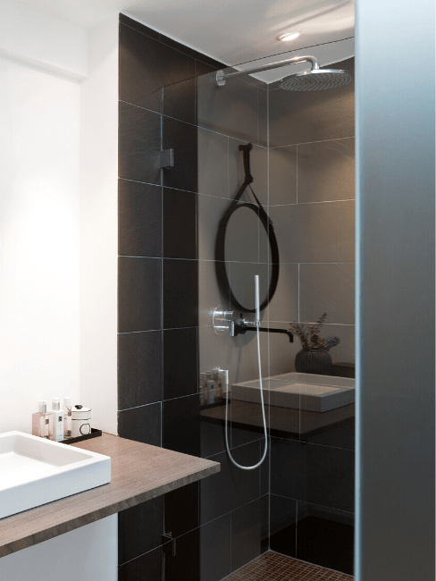 petite salle de bain 7 astuces pour