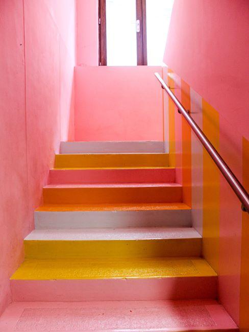 Peindre Une Cage D Escalier Bicolore Tendances 2021 Westwing