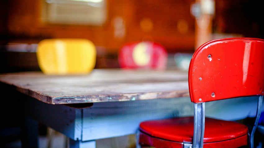 Se sei alla ricerca di un set di sedie per la. Sedie Anni 50 Un Tocco Di Modernariato Per La Casa Dalani E Ora Westwing