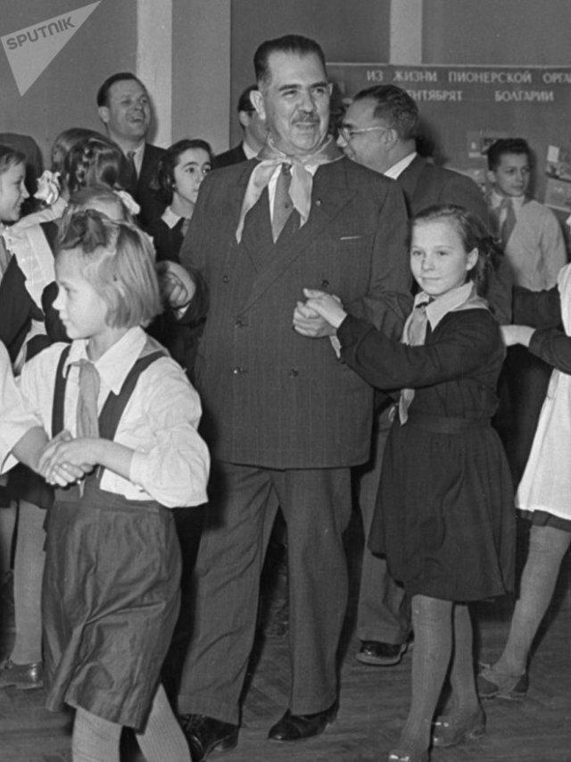 Lázaro Cárdenas, el presidente de México entre 1934 y 1940, durante una visita a Rusia en 1958. Cárdenas tuvo un rol esencial en la defensa de la República Española. México jamás tuvo relaciones diplomáticas con la España de Franco.