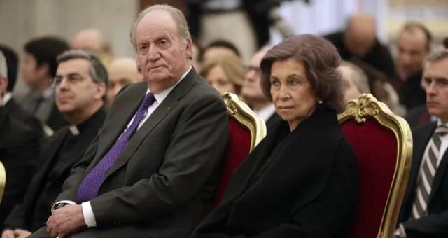 El Rey emérito de España, Juan Carlos I, junto a su esposa, Sofía de Grecia