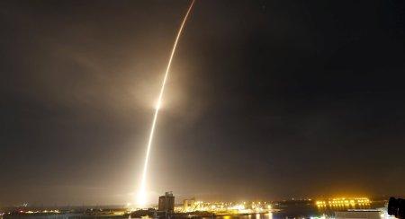 Resultado de imagen para cohete al espacio