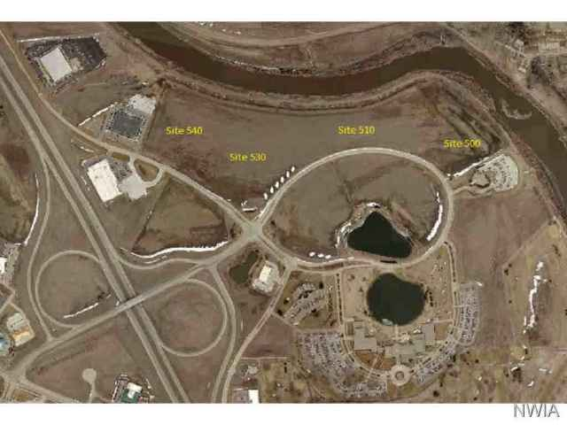 Property for sale at 850 Cottonwood Lane, Dakota Dunes,  SD 57049