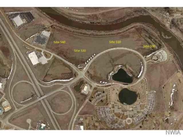 Property for sale at 950 Cottonwood Lane, Dakota Dunes,  SD 57049