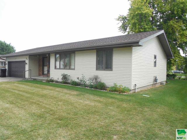 Property for sale at 123 Golden Dr, Sergeant Bluff,  IA 51054