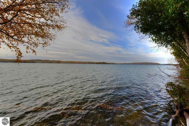 Property for sale at 1321 N Sunset Shore Drive, Lake Leelanau,  MI 49653