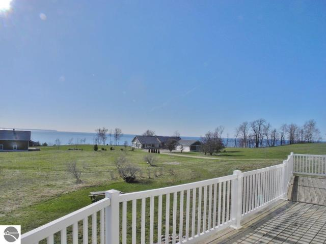 Property for sale at 10011 N Old Farm Road, Northport,  MI 49670