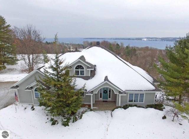 Property for sale at 424 N School Hill Court, Suttons Bay,  MI 49682