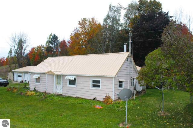 Property for sale at 4041 N Jacobson Road, Suttons Bay,  MI 49682
