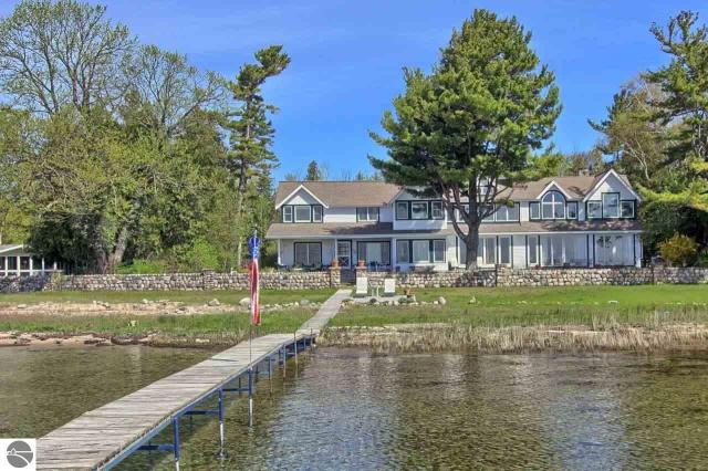 Property for sale at 1008 E Bay Drive, Northport,  MI 49670