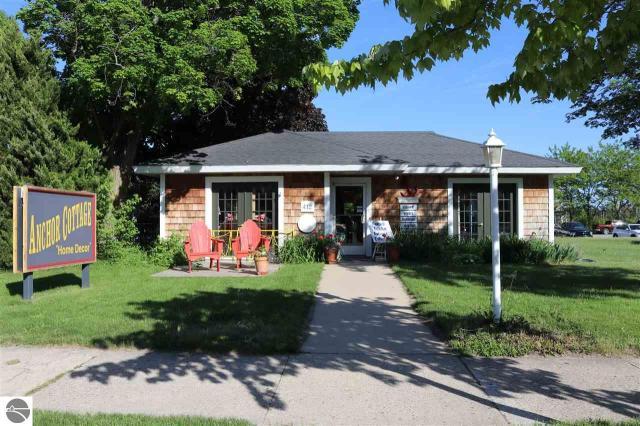 Property for sale at 412 N Saint Joseph Street, Suttons Bay,  MI 49682