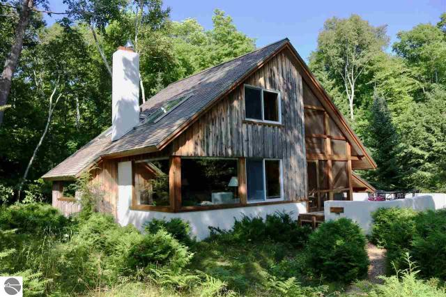 Property for sale at 7933 N Gills Pier Road, Northport,  MI 49670