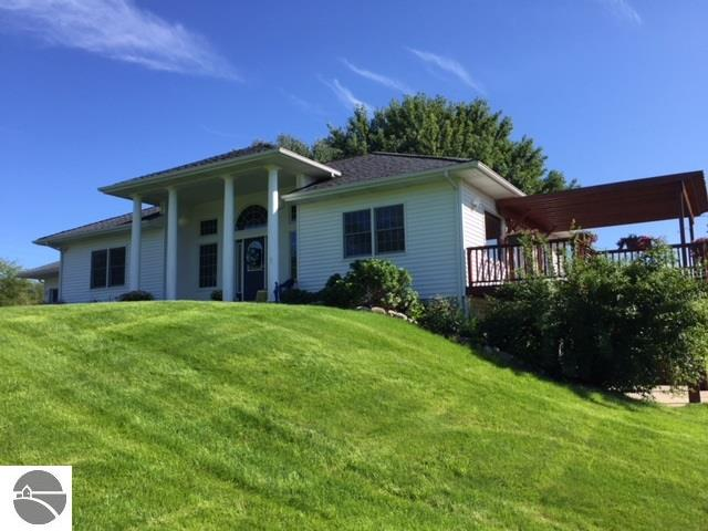 Property for sale at 11400 Richlyn Drive, Suttons Bay,  MI 49682