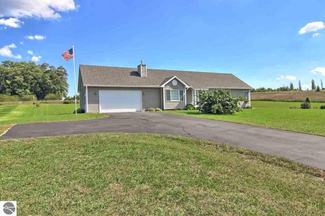 Property for sale at 11181 E Meadow View Drive Unit: 10, Suttons Bay,  MI 49682