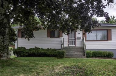 19 Clysdale Drive, Dartmouth, NS B2W 2P5, 3 Bedrooms Bedrooms, ,1 BathroomBathrooms,Residential,For Sale,19 Clysdale Drive,201820438