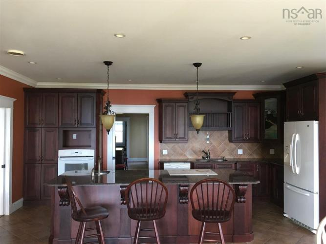 2360 Pereau Road, Lower Blomidon, NS B0P 1H0, 6 Bedrooms Bedrooms, ,5 BathroomsBathrooms,Residential,For Sale,2360 Pereau Road,201927398