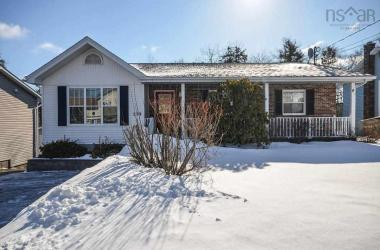 179 Sunnyvale Crescent, Lower Sackville, NS B4E 2S9, 3 Bedrooms Bedrooms, ,2 BathroomsBathrooms,Residential,For Sale,179 Sunnyvale Crescent,202003743
