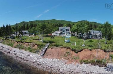 45227 Cabot Trail, North Shore, NS B0C 1H0, ,Commercial,For Sale,45227 Cabot Trail,202004881