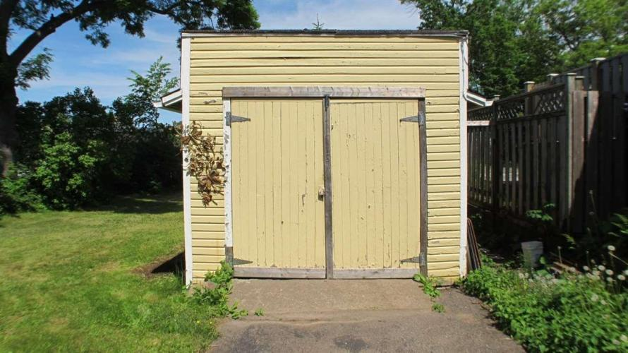 17 Linden Avenue, Wolfville, BC B4P 2A4, ,Commercial,For Sale,17 Linden Avenue,202011255