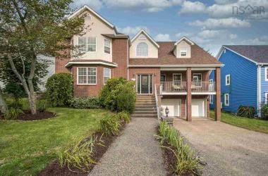 155 Cresthaven Drive, Halifax, NS B3M 2E4, 4 Bedrooms Bedrooms, ,4 BathroomsBathrooms,Residential,For Sale,155 Cresthaven Drive,202020053