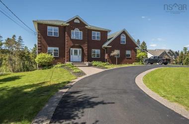 243 Lewis Lake Terrace, Hammonds Plains, NS B4B 1X2, 5 Bedrooms Bedrooms, ,4 BathroomsBathrooms,Residential,For Sale,243 Lewis Lake Terrace,202020555
